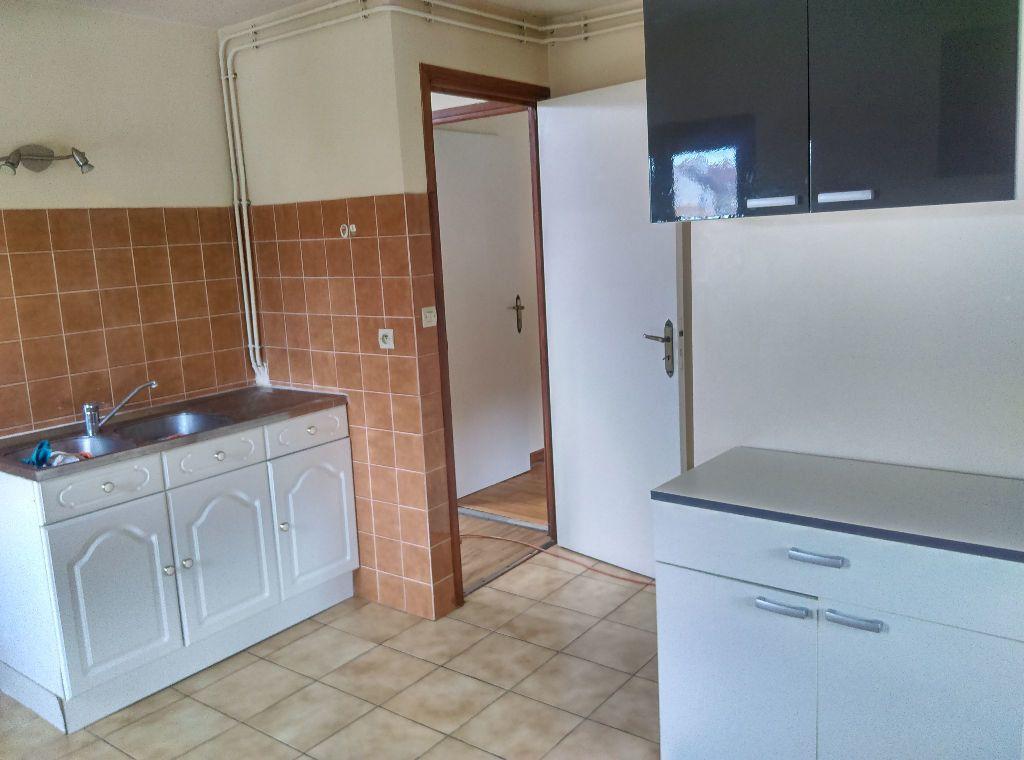 Appartement à louer 3 53.42m2 à La Ferté-sous-Jouarre vignette-4
