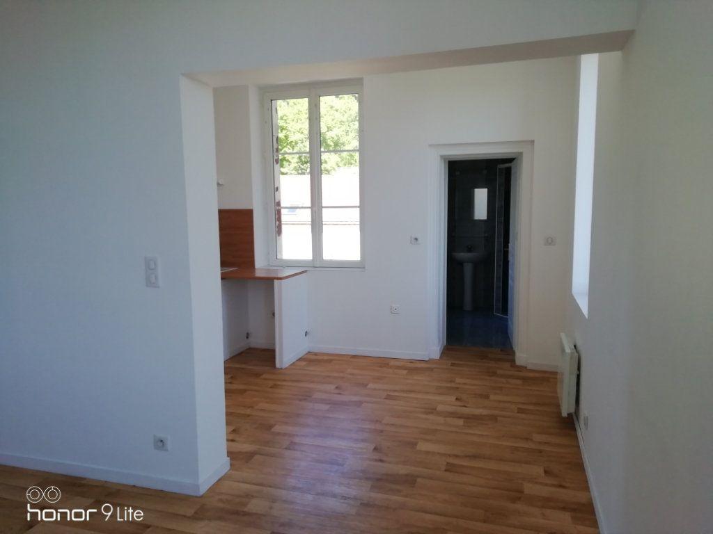 Appartement à louer 3 37.2m2 à La Ferté-sous-Jouarre vignette-2