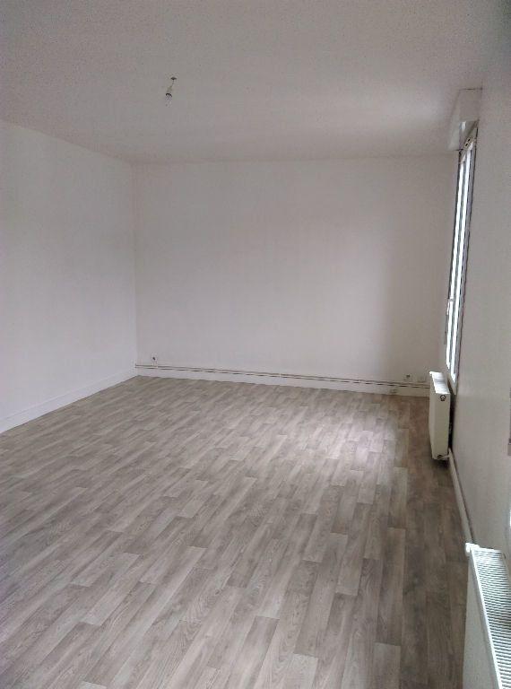 Appartement à louer 2 46.73m2 à La Ferté-sous-Jouarre vignette-2