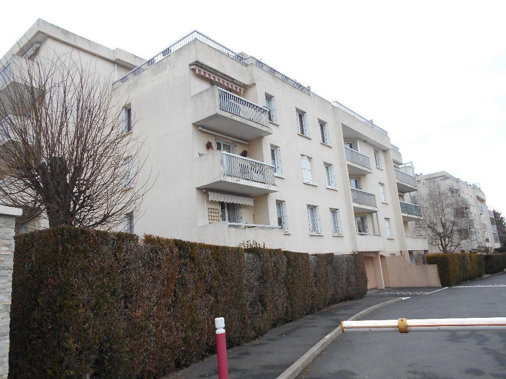 Appartement à louer 4 88m2 à La Ferté-sous-Jouarre vignette-1