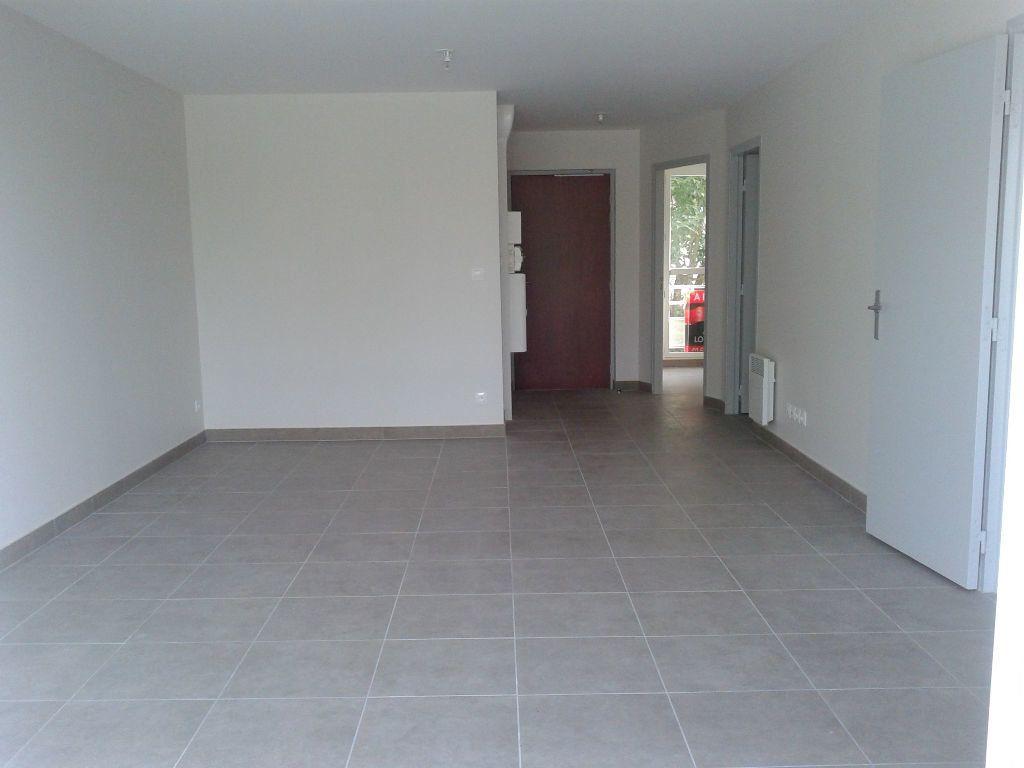 Appartement à louer 4 87.38m2 à La Ferté-sous-Jouarre vignette-2