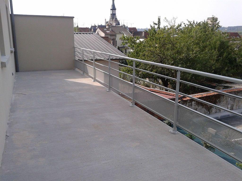 Appartement à louer 4 87.38m2 à La Ferté-sous-Jouarre vignette-5