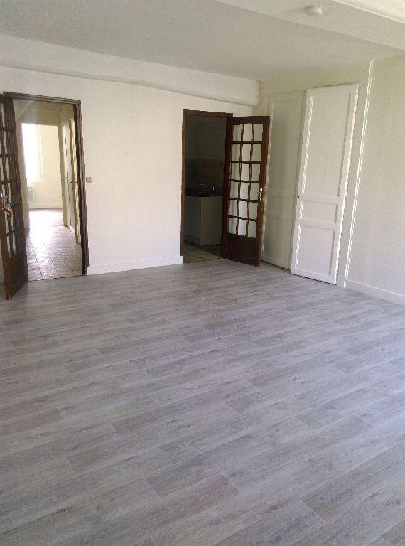 Appartement à louer 2 48.72m2 à La Ferté-sous-Jouarre vignette-1