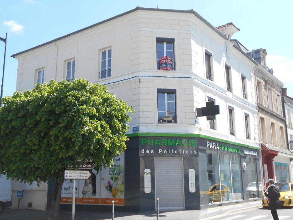 Appartement à louer 3 54.3m2 à La Ferté-sous-Jouarre vignette-1