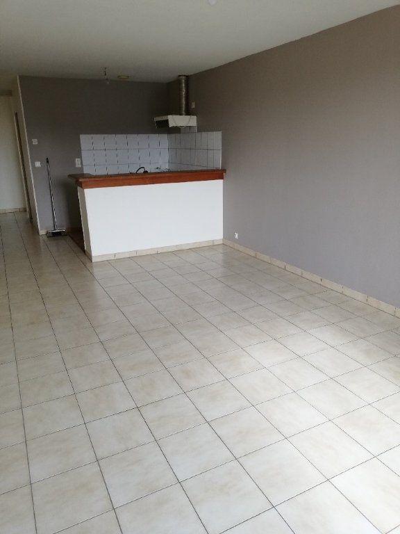 Appartement à louer 3 54.3m2 à La Ferté-sous-Jouarre vignette-3