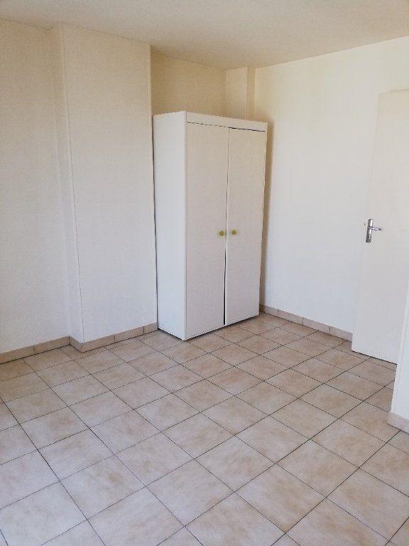Appartement à louer 3 54.3m2 à La Ferté-sous-Jouarre vignette-6