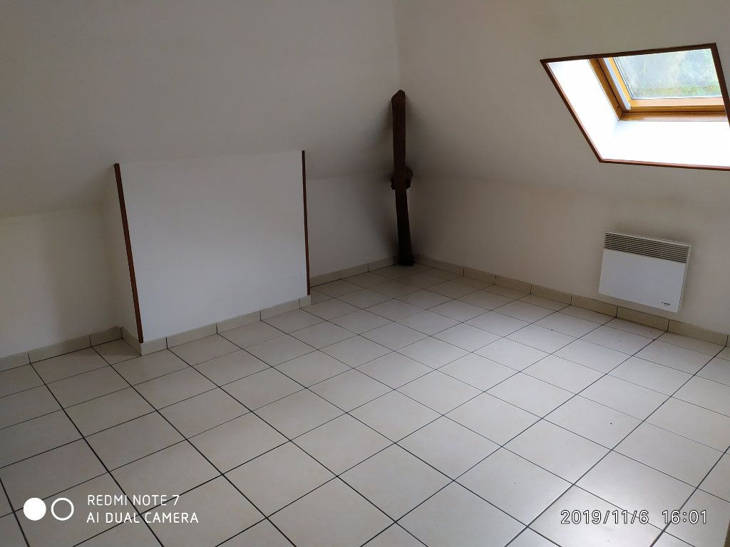 Appartement à louer 3 32.31m2 à La Ferté-sous-Jouarre vignette-3