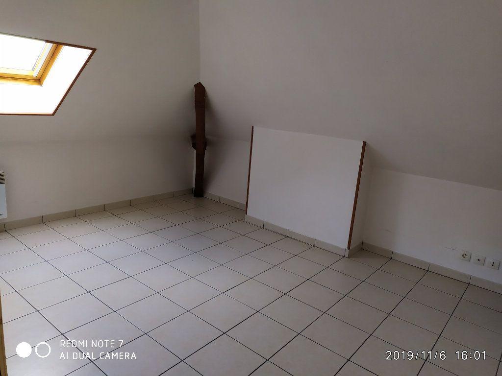 Appartement à louer 3 32.31m2 à La Ferté-sous-Jouarre vignette-4