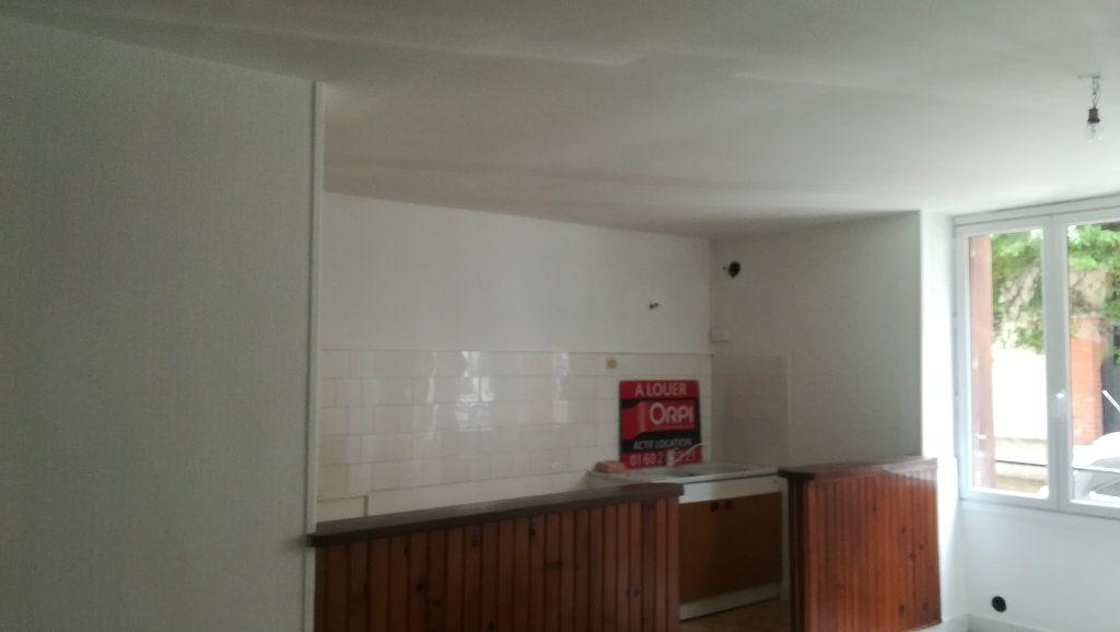 Appartement à louer 1 37.33m2 à La Ferté-sous-Jouarre vignette-1