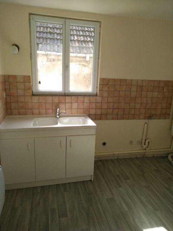 Appartement à louer 3 47m2 à Charly-sur-Marne vignette-1