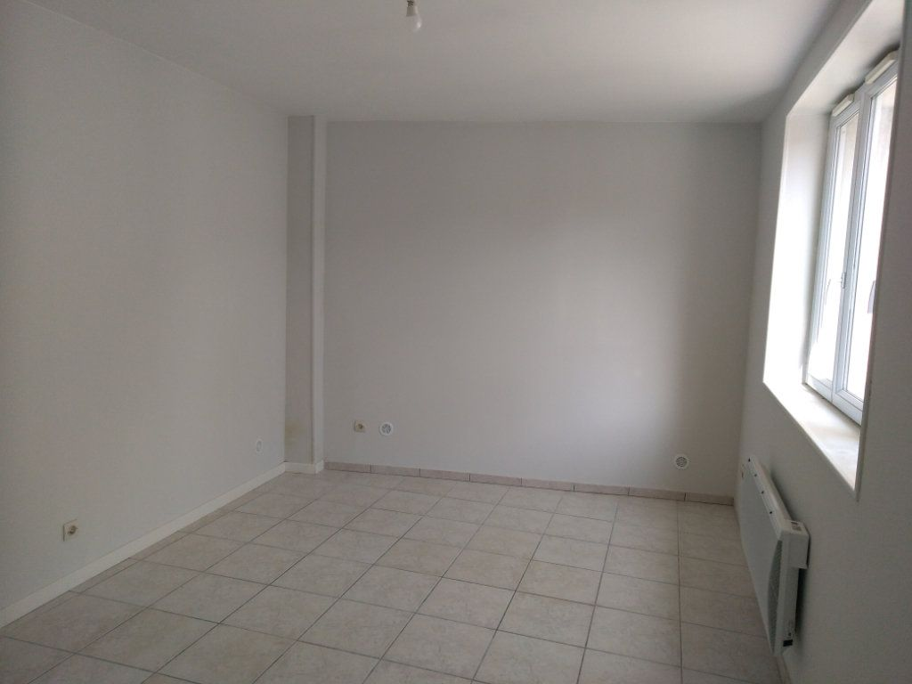 Appartement à louer 3 47m2 à Charly-sur-Marne vignette-2