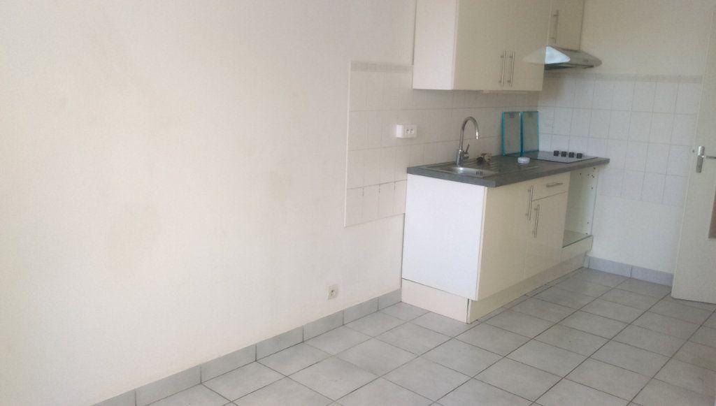 Appartement à louer 3 49.07m2 à Jouarre vignette-2