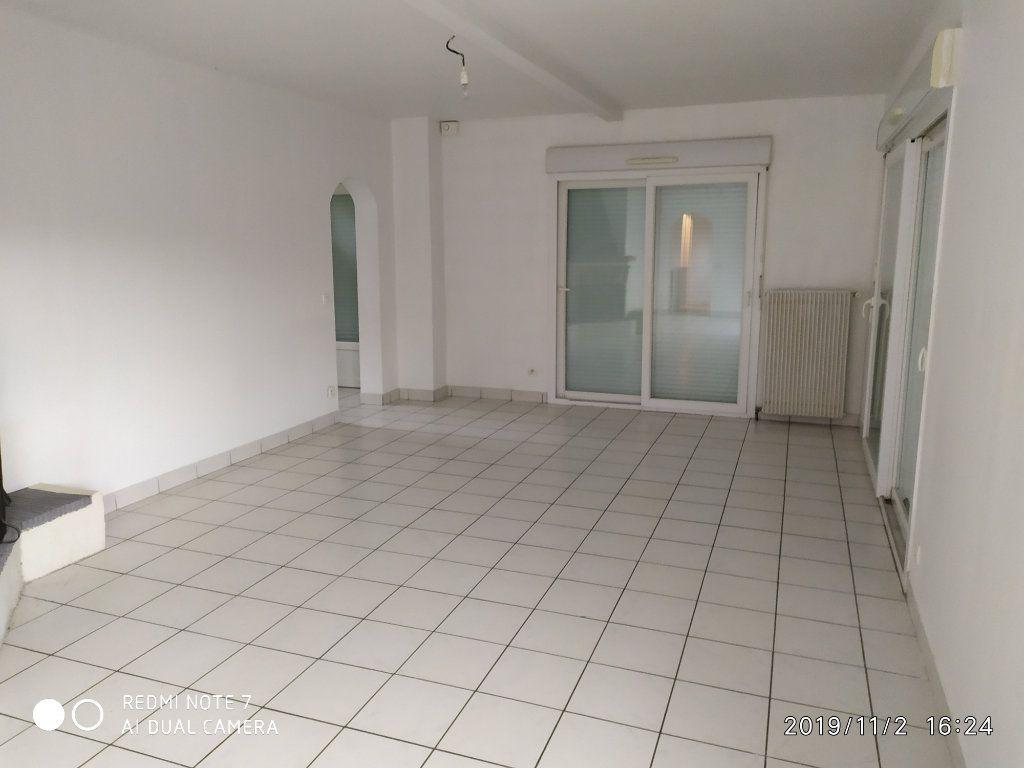 Maison à louer 3 95m2 à Méry-sur-Marne vignette-3