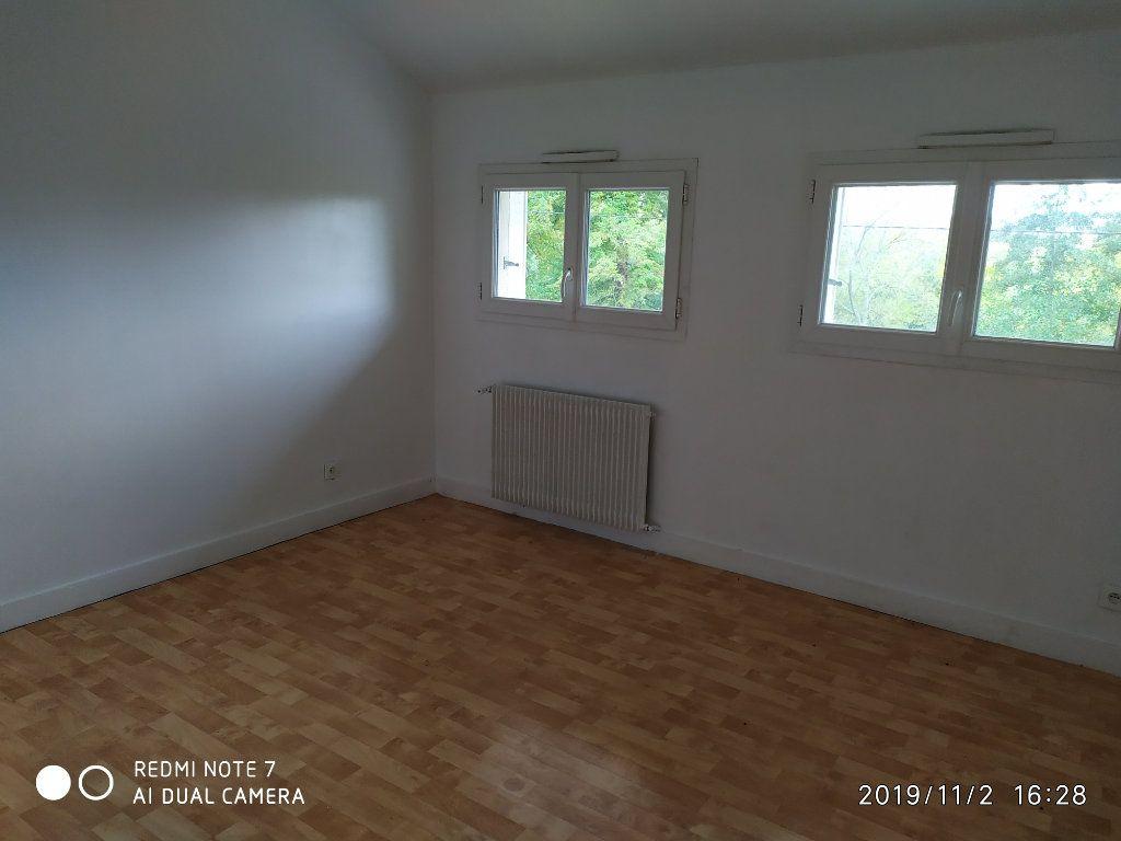 Maison à louer 3 95m2 à Méry-sur-Marne vignette-4
