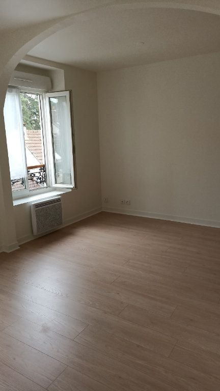 Appartement à louer 1 29.86m2 à La Ferté-sous-Jouarre vignette-3