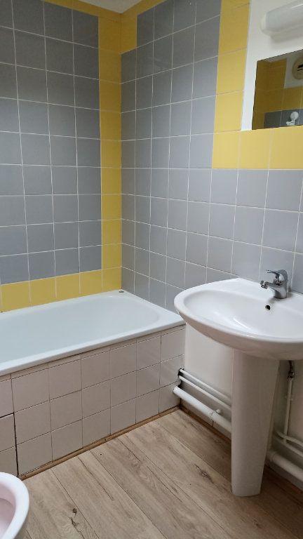 Appartement à louer 1 29.86m2 à La Ferté-sous-Jouarre vignette-4