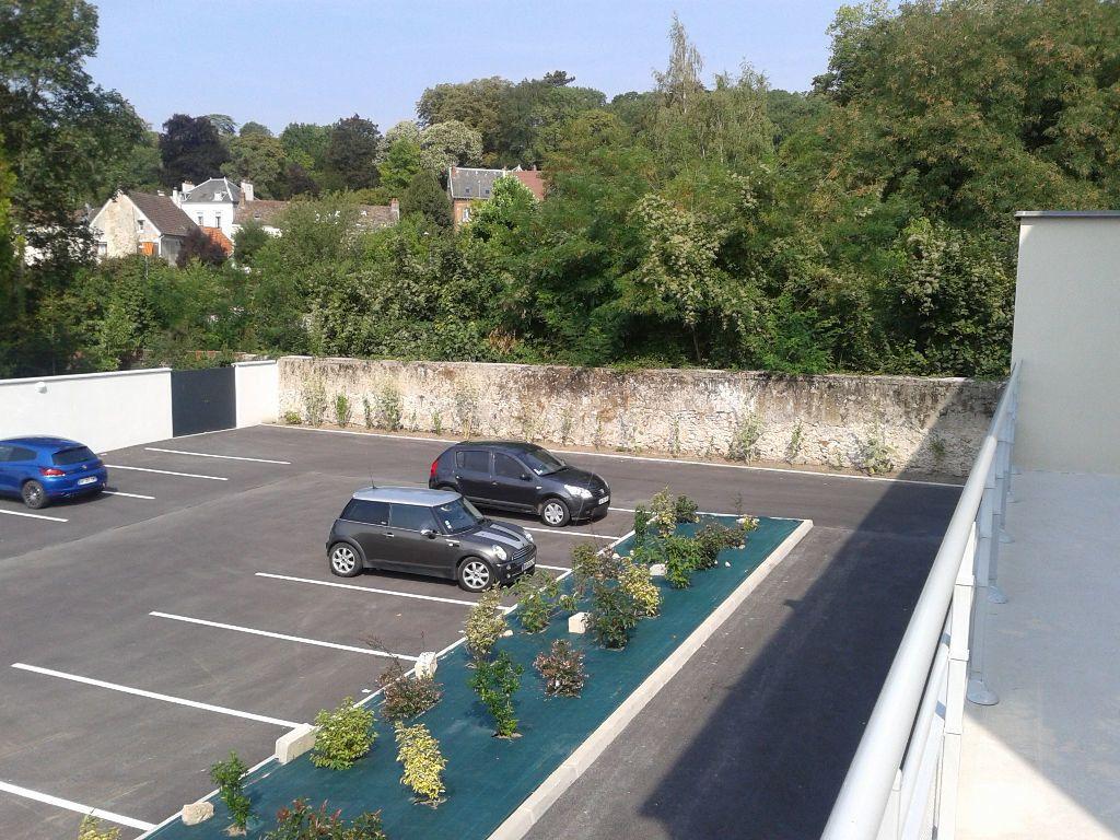Stationnement à louer 0 14m2 à La Ferté-sous-Jouarre vignette-1
