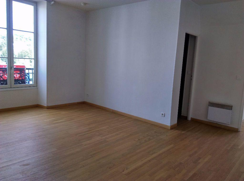 Appartement à louer 3 69.96m2 à La Ferté-sous-Jouarre vignette-2