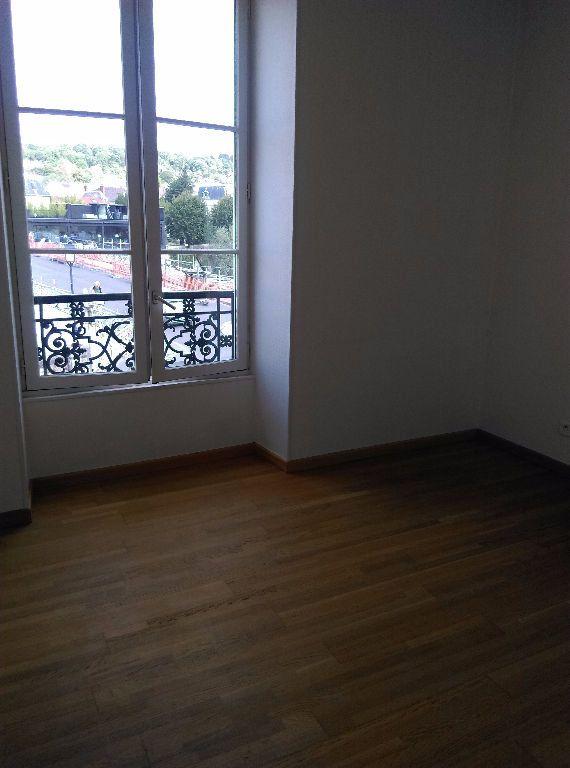 Appartement à louer 3 69.96m2 à La Ferté-sous-Jouarre vignette-8