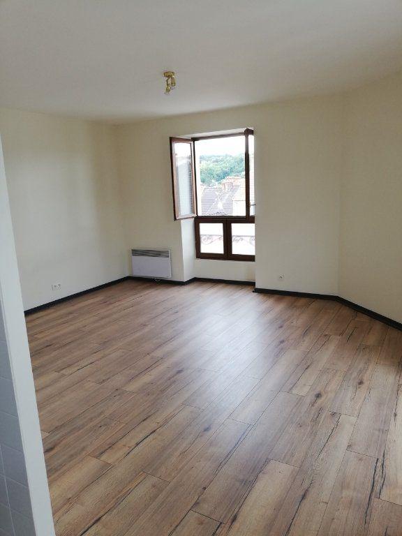 Appartement à louer 1 30m2 à La Ferté-sous-Jouarre vignette-1