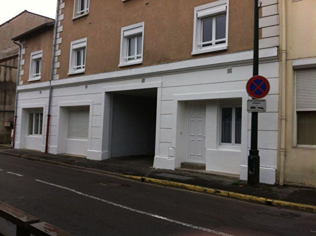 Appartement à louer 2 42.75m2 à La Ferté-sous-Jouarre vignette-1