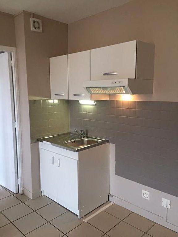 Appartement à louer 2 42.75m2 à La Ferté-sous-Jouarre vignette-2