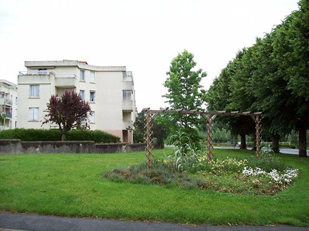 Appartement à louer 3 69.64m2 à La Ferté-sous-Jouarre vignette-1