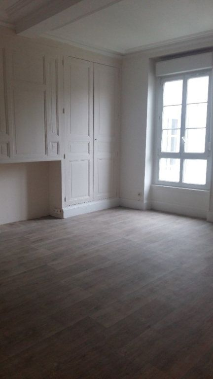 Appartement à louer 1 28.29m2 à Orly-sur-Morin vignette-1