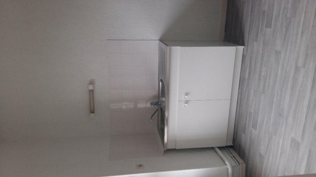 Appartement à louer 1 28.29m2 à Orly-sur-Morin vignette-2