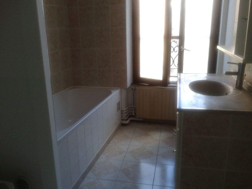 Appartement à louer 3 53m2 à La Ferté-sous-Jouarre vignette-4