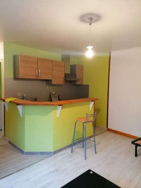 Appartement à louer 1 27.62m2 à La Ferté-sous-Jouarre vignette-1