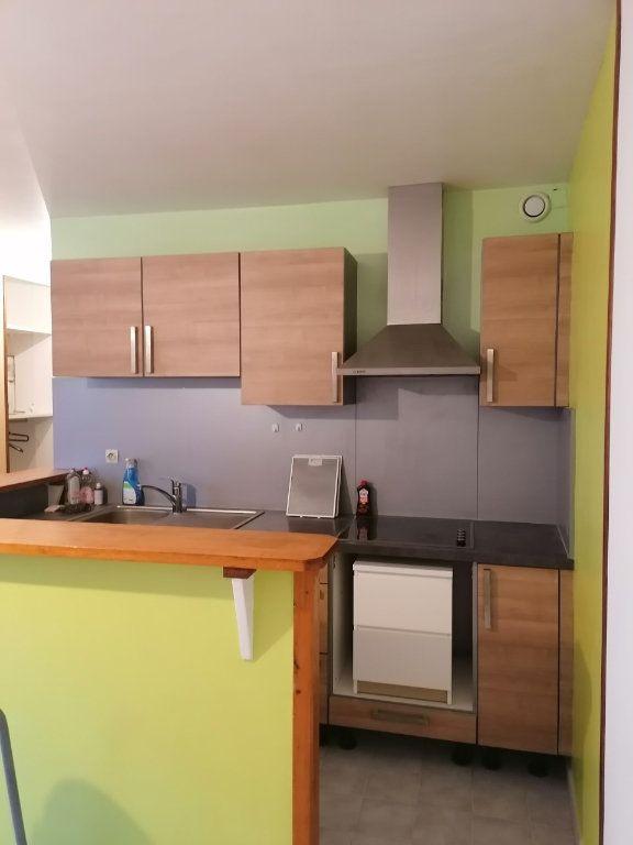 Appartement à louer 1 27.62m2 à La Ferté-sous-Jouarre vignette-2