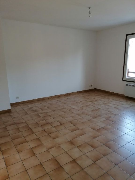 Appartement à louer 2 46.4m2 à La Ferté-sous-Jouarre vignette-3