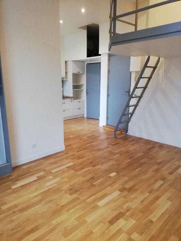 Appartement à louer 1 27.88m2 à La Ferté-sous-Jouarre vignette-3