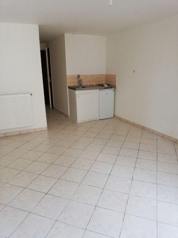 Appartement à louer 1 33m2 à La Ferté-sous-Jouarre vignette-1