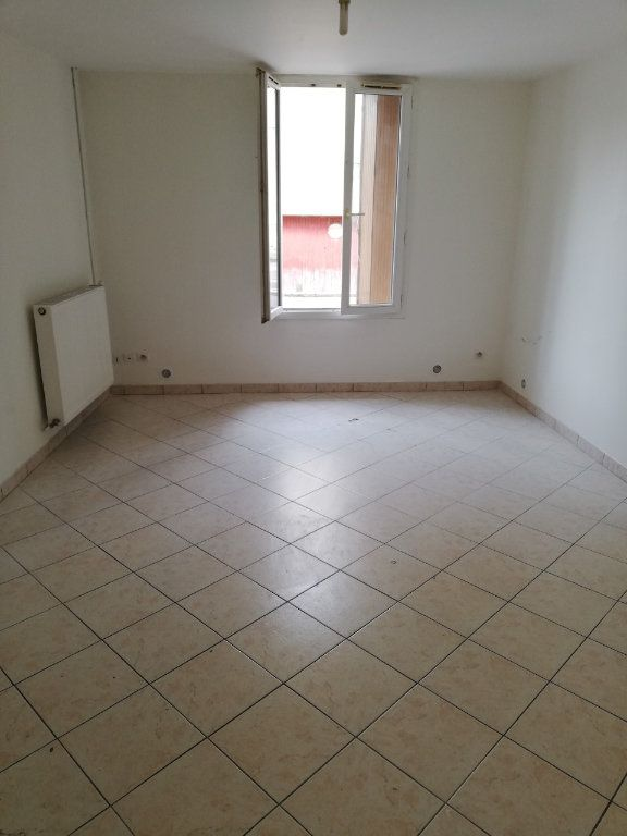 Appartement à louer 1 33m2 à La Ferté-sous-Jouarre vignette-2