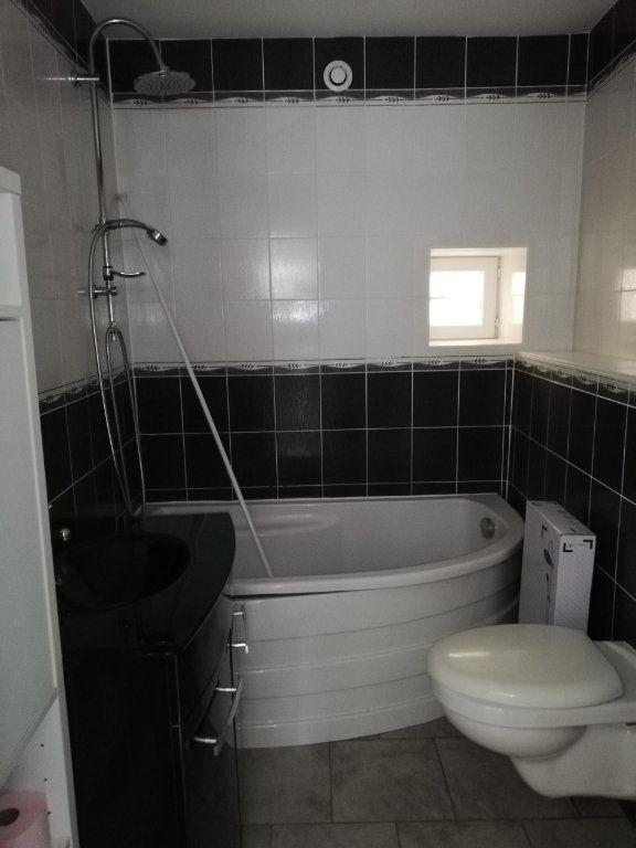 Appartement à louer 2 45m2 à Nanteuil-sur-Marne vignette-5