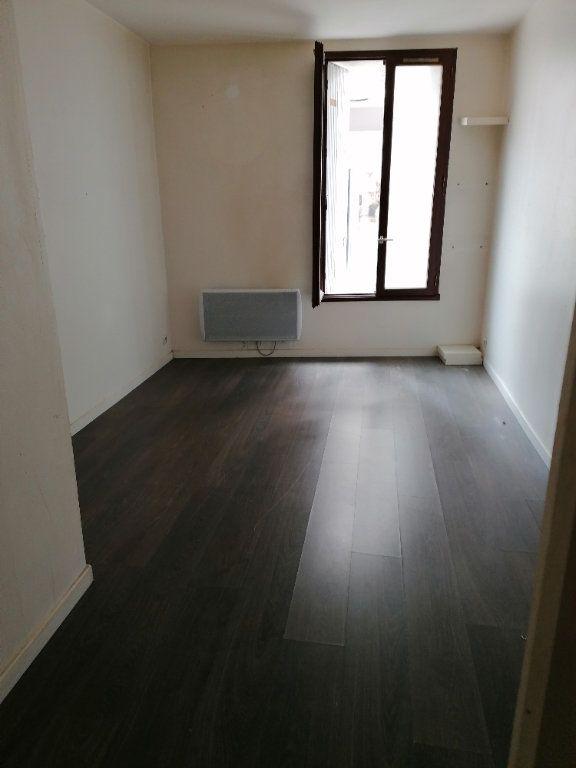 Appartement à louer 2 31m2 à La Ferté-sous-Jouarre vignette-1