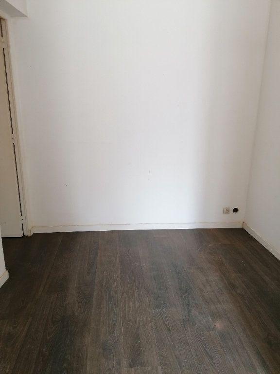 Appartement à louer 2 31m2 à La Ferté-sous-Jouarre vignette-2