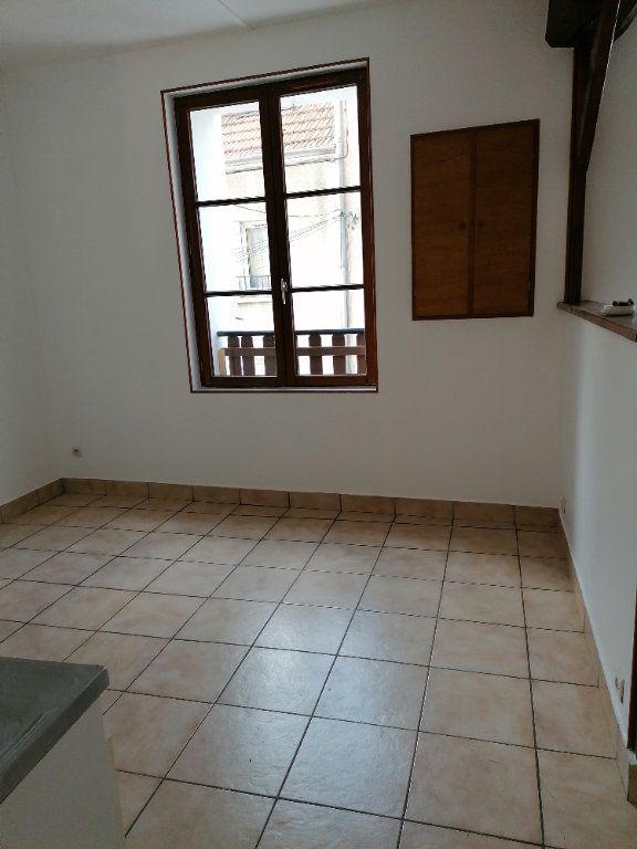Appartement à louer 3 49.81m2 à La Ferté-sous-Jouarre vignette-2