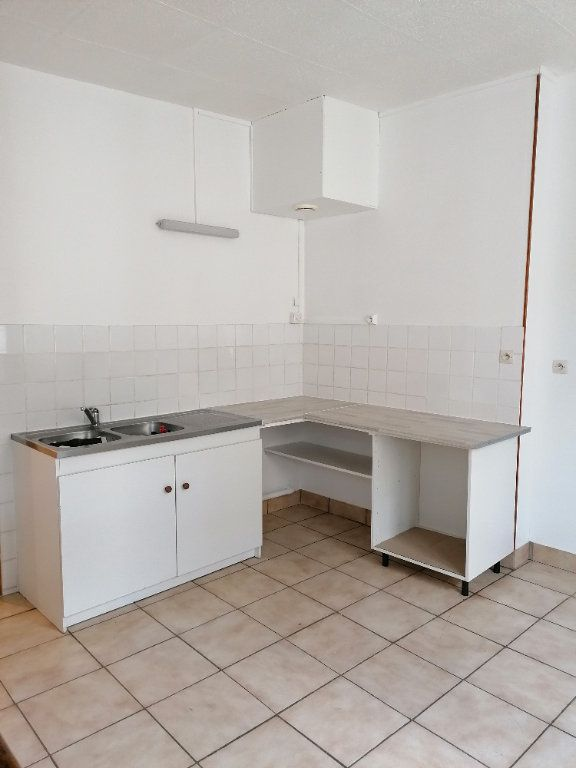 Appartement à louer 3 49.81m2 à La Ferté-sous-Jouarre vignette-3