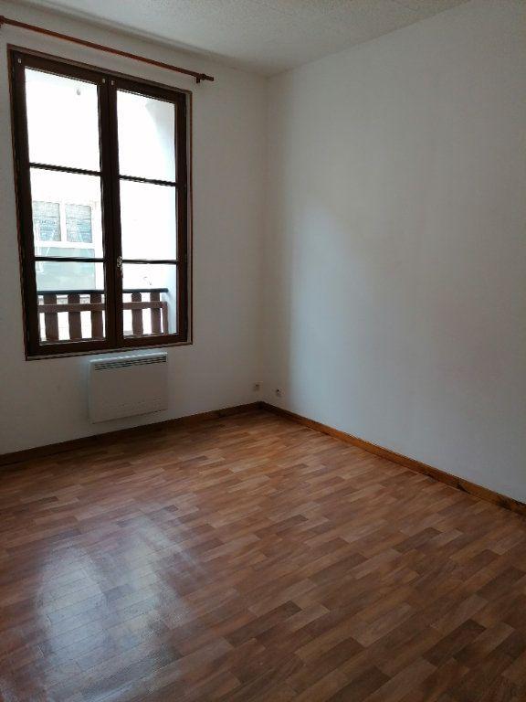 Appartement à louer 3 49.81m2 à La Ferté-sous-Jouarre vignette-4