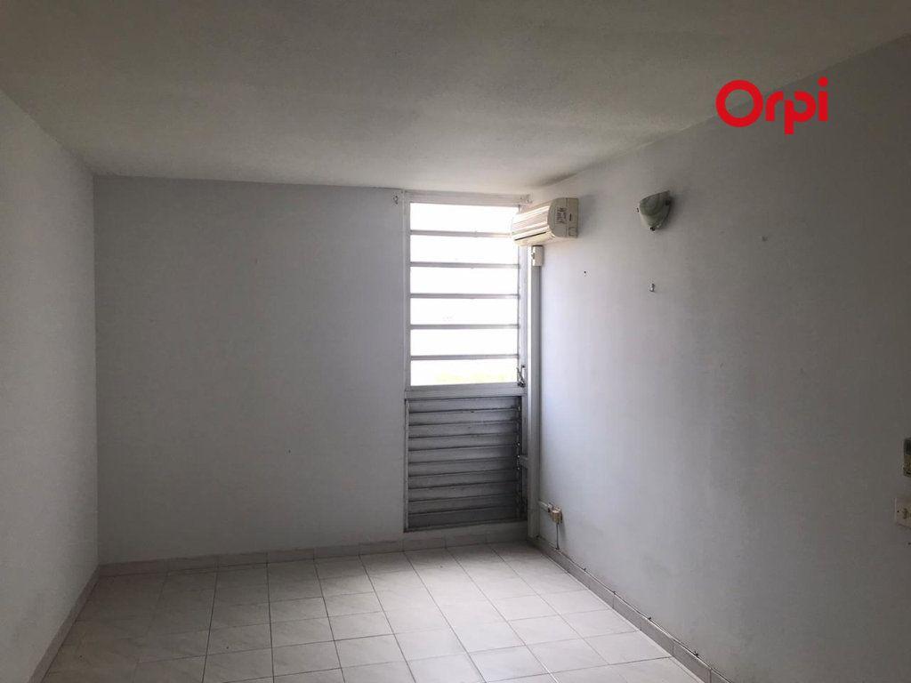 Appartement à vendre 4 84m2 à Le Robert vignette-5