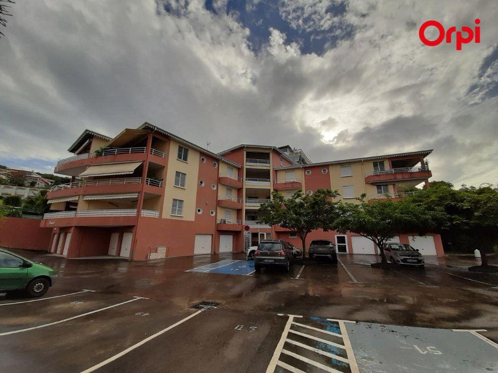 Appartement à vendre 3 68.74m2 à Les Trois-Îlets vignette-1