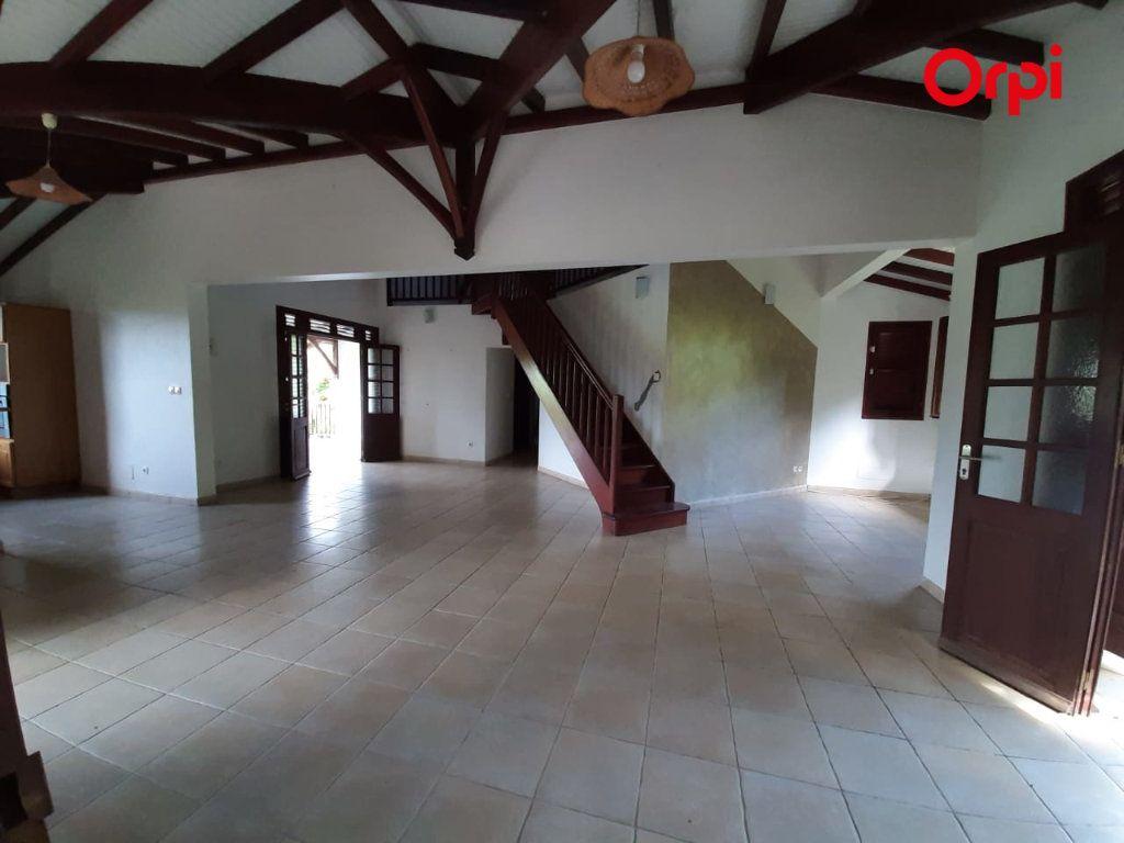 Maison à vendre 5 198m2 à Sainte-Marie vignette-1