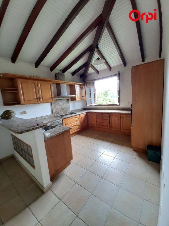 Maison à vendre 5 198m2 à Sainte-Marie vignette-2