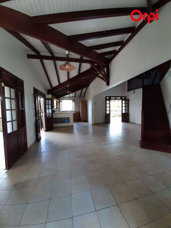 Maison à vendre 5 198m2 à Sainte-Marie vignette-3