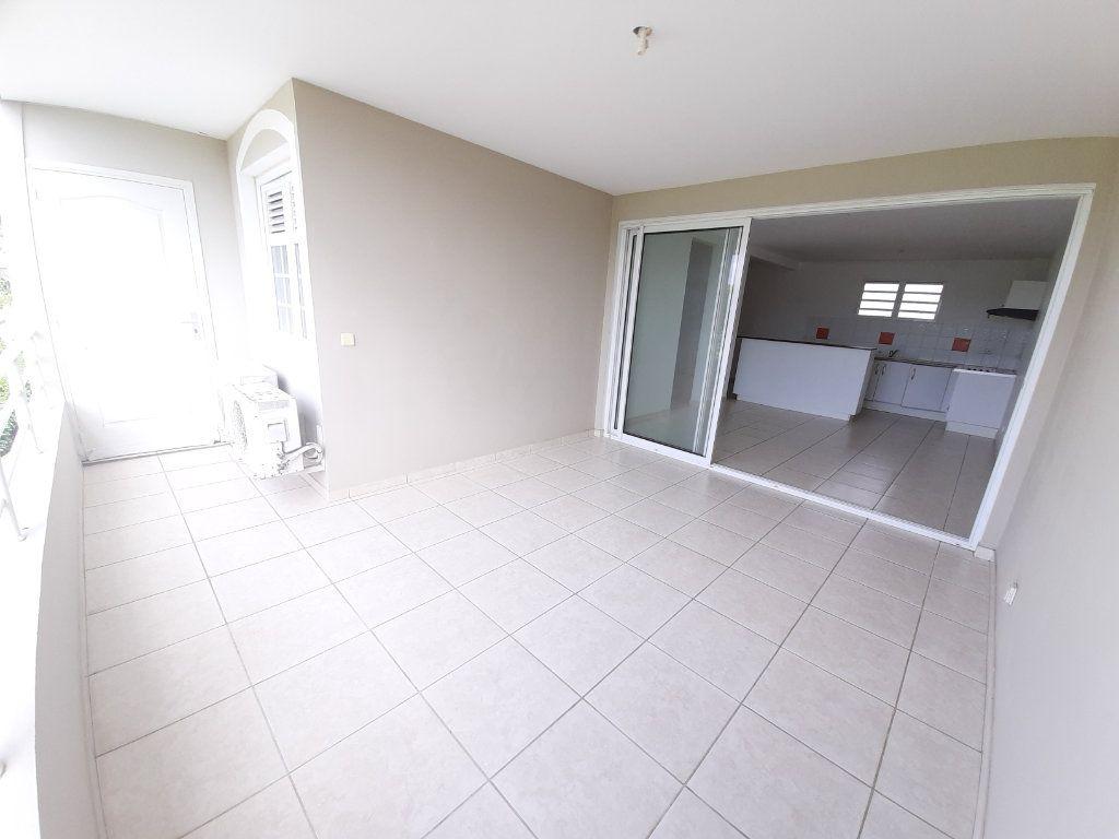 Appartement à vendre 3 64.88m2 à Ducos vignette-1
