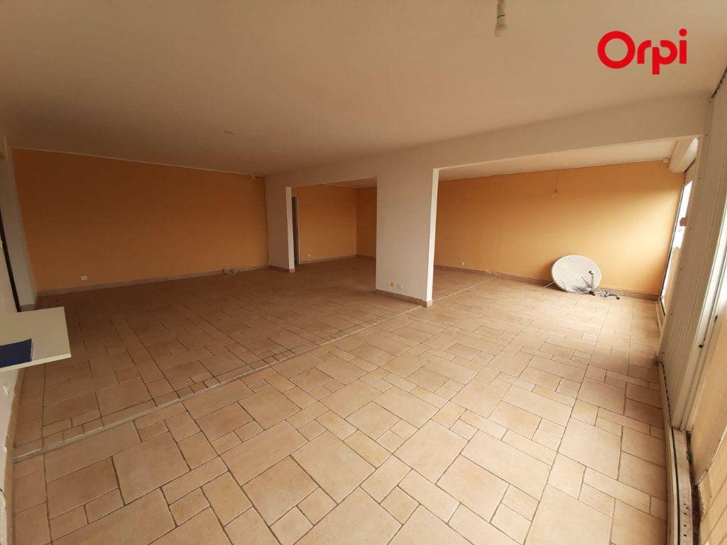 Appartement à vendre 4 131m2 à Fort-de-France vignette-5