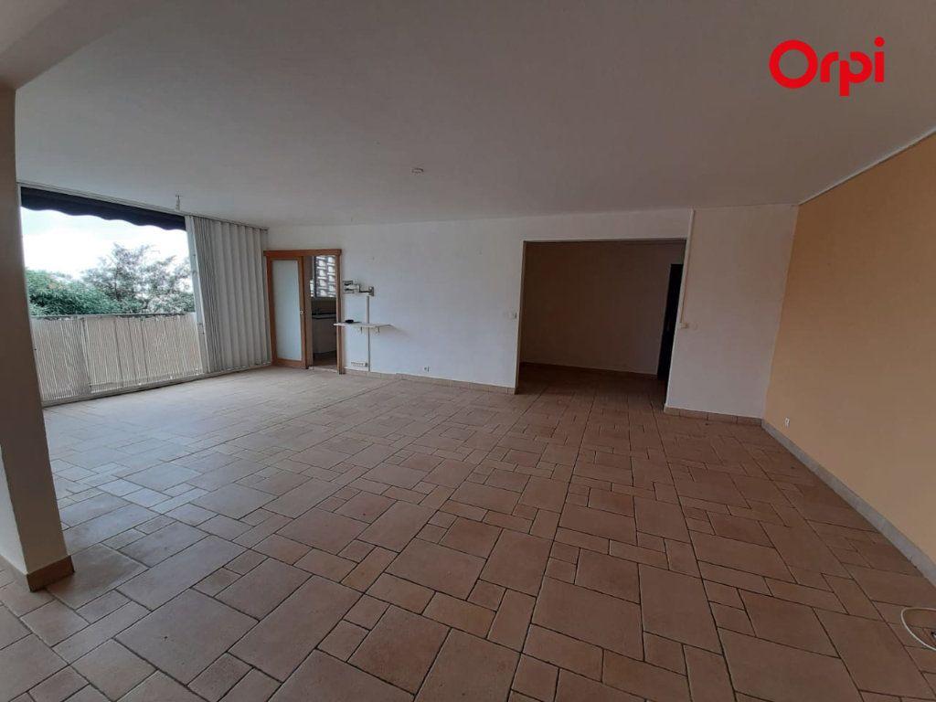 Appartement à vendre 4 131m2 à Fort-de-France vignette-7